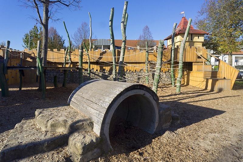 Tunnel auf dem Spielplatz im Mohrenäcker